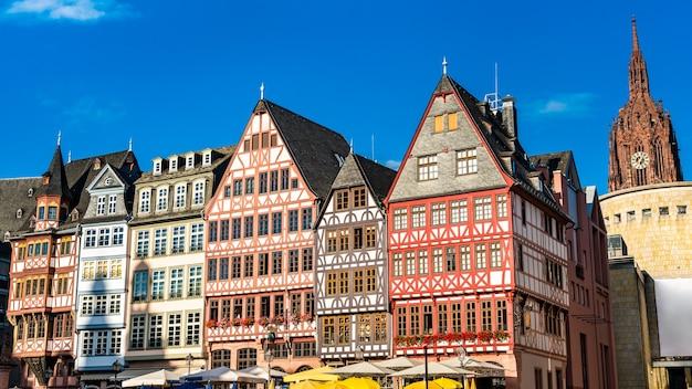 Традиционные дома в ромерберге во франкфурте-на-майне, германия