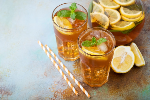 Traditional iced tea with lemon.