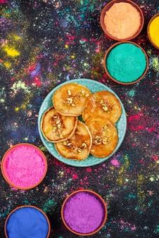 홀리 축제를 축하하기위한 전통 인도 음식 말 푸아