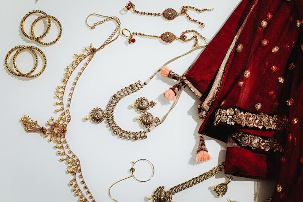 伝統的なインドの結婚式の宝石
