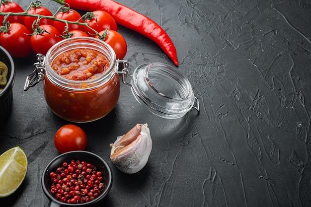 Традиционный латиноамериканский мексиканский соус для сальсы