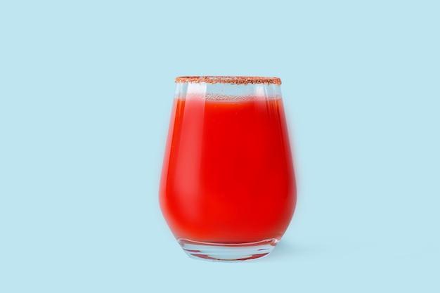 伝統的なメキシコ料理:アルコール飲料ミチェラーダ。