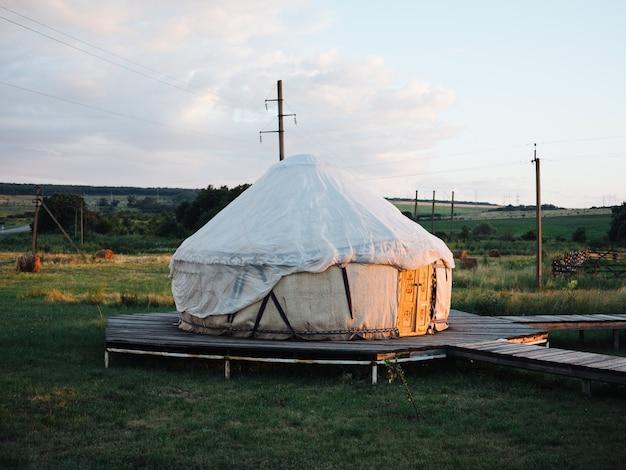 伝統的なモンゴルの住居パオ日光自然新鮮な空気