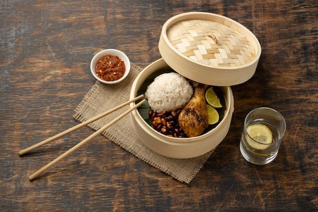 Традиционный состав еды наси лемак