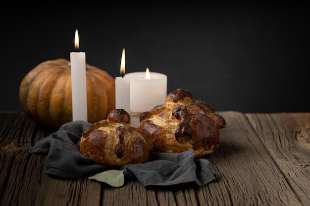 전통적인 pan de muerto 배열