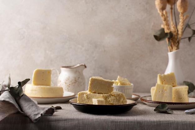 伝統的なパニールチーズのアレンジメント