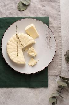 전통적인 파니르 치즈 구성