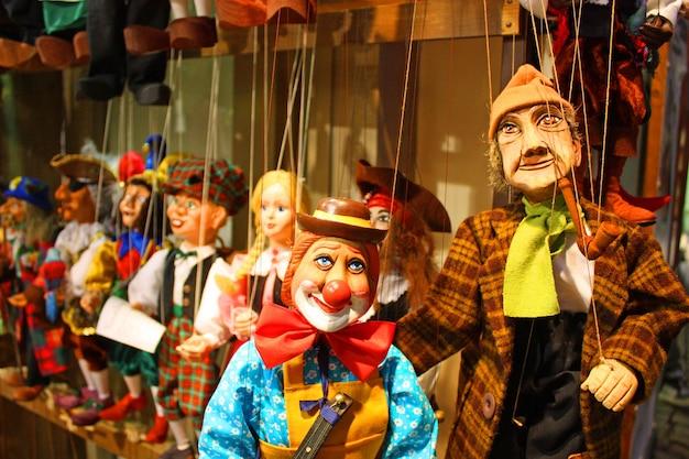 Традиционные куклы - клоун и старик