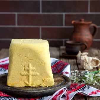 Традиционный русский православный пасхальный кварк десертный творог