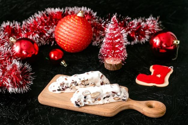 伝統的なスペインのクリスマスの甘いヌガーデザート