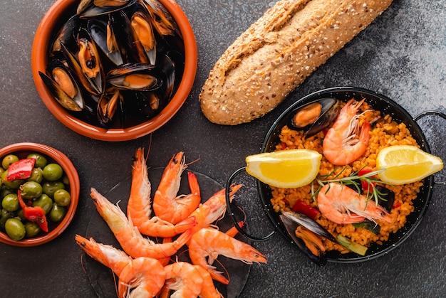 Традиционная испанская паэлья с морепродуктами
