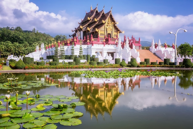 ランナー様式の伝統的なタイ建築
