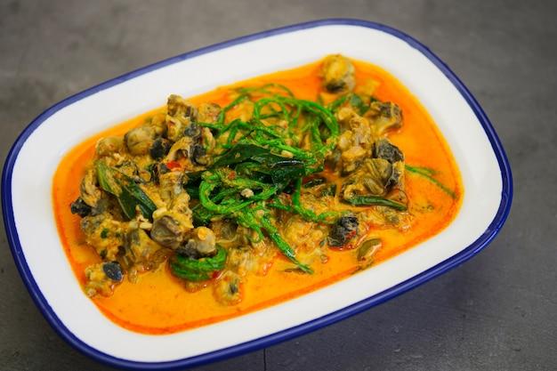 伝統的なタイ料理、タイ風カレー、カタツムリ