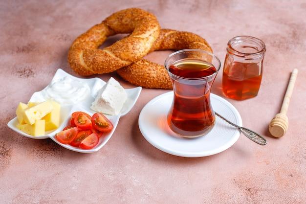 Традиционный турецкий завтрак.