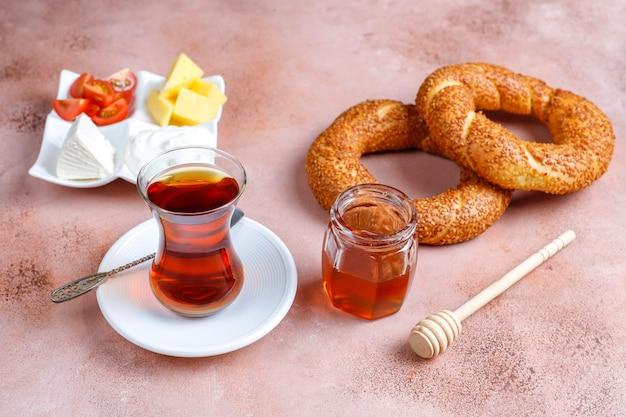 伝統的なトルコの朝食。