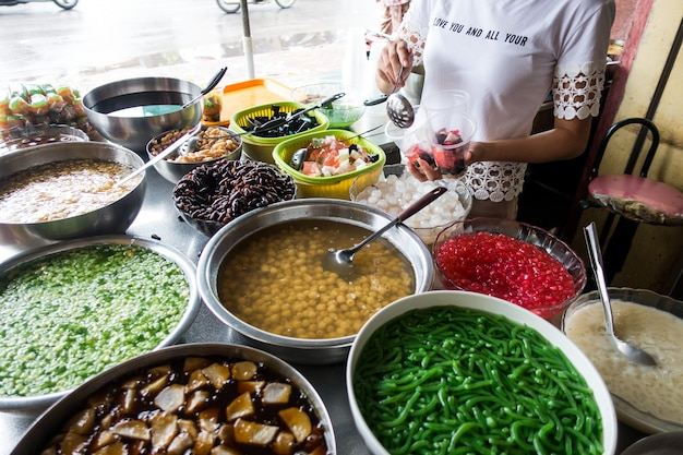 Traditional vietnamese sweet dessert che made from beans and other natural ingredients