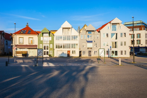 Традиционные деревянные дома в гамле ставангер, норвегия