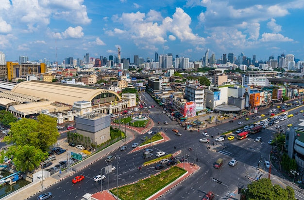 Traffic at hua lamphong intersection and hua lamphong railway station in bangkok, thailand