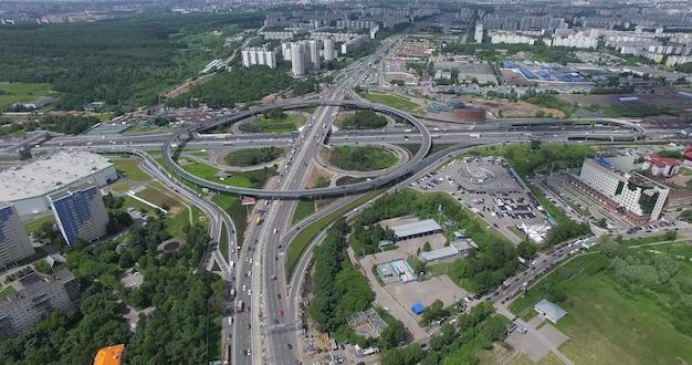 モスクワインターチェンジの空中写真の交通