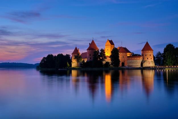 リトアニア、ガルベ湖のトラカイ島城