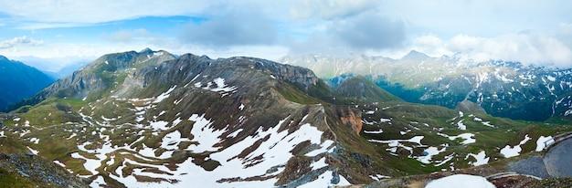グロースグロックナーハイアルパインロードの静かな夏のアルプスの山と蛇紋石。 3枚の合成画像。