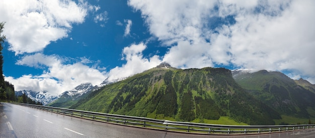 静かな夏のアルプス山