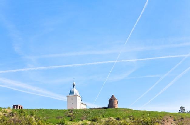 Pidgora village(우크라이나 ternopilska 주)의 변모 수도원. xvii-xviii 세기에 건물