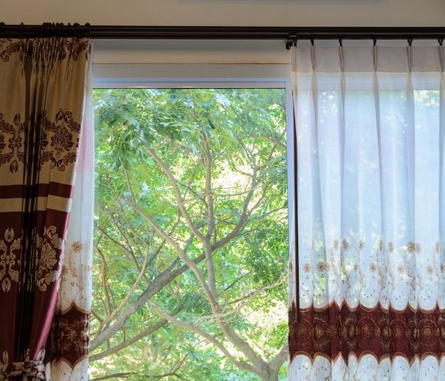 Translucent curtain window