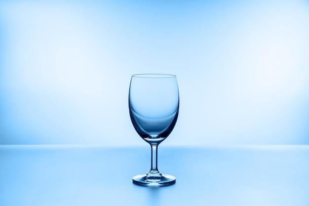 투명 와인 잔.