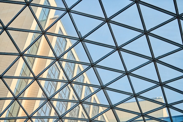 비즈니스 센터의 투명한 천장