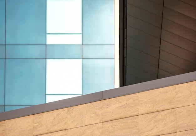 건물의 투명한 외관