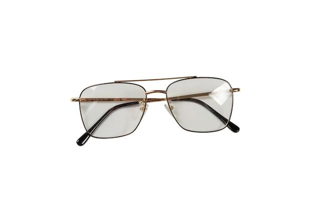 Прозрачные модные очки, изолированные на белом фоне.