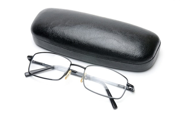 眼鏡ケースが分離された透明な光学ガラス。