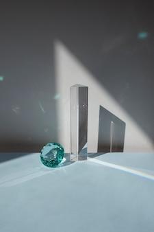 透明なプリズム(宝石付)