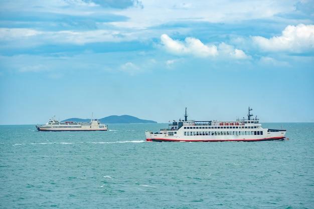 夏の海上輸送