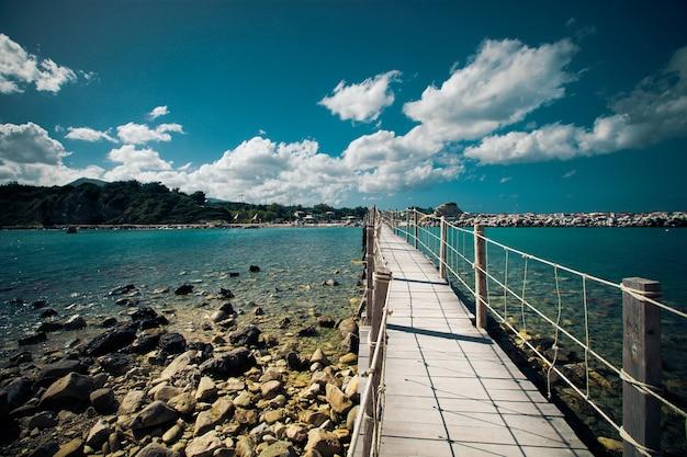 여행 및 휴가 개념-나무 다리, 바다, 여름, 휴가, 행복한 시간