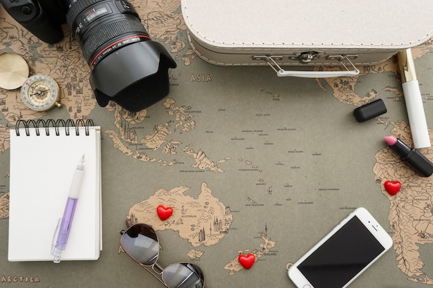 Travel composition with decorative objects