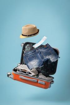 Concetto di viaggio con bagaglio