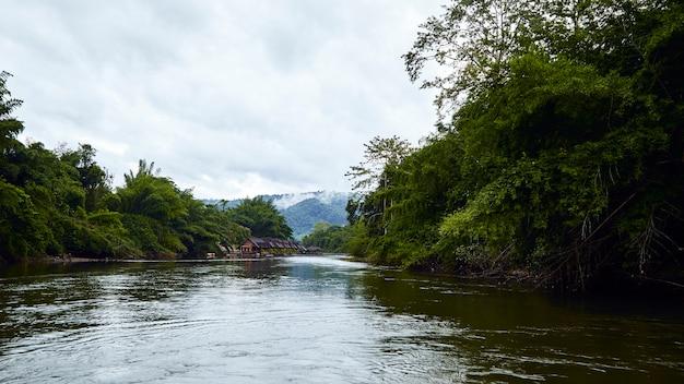 Travel kanchanaburi river kwai yai