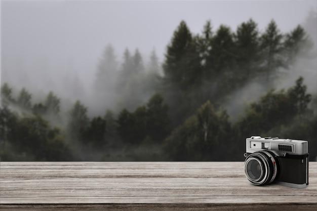 Sfondo del prodotto da viaggio, pino e macchina fotografica