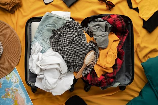 旅行用スーツケースと準備梱包