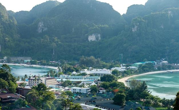 旅行休暇の背景リゾートのある熱帯の島ピピ島クラビ県タイ