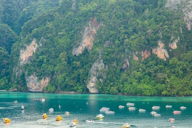 여행 휴가 배경 리조트가 있는 열대 섬 피피 섬 크라비 태국