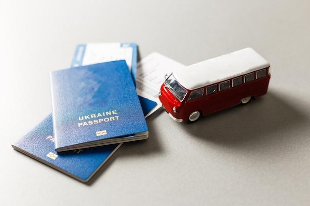 버스로 해외여행. 여권과 버스
