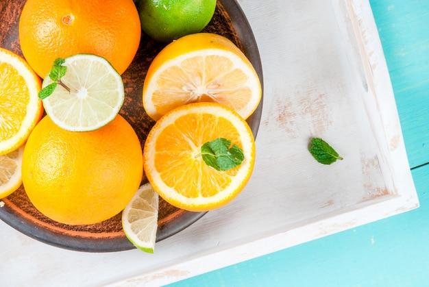 柑橘系果物入りトレイ