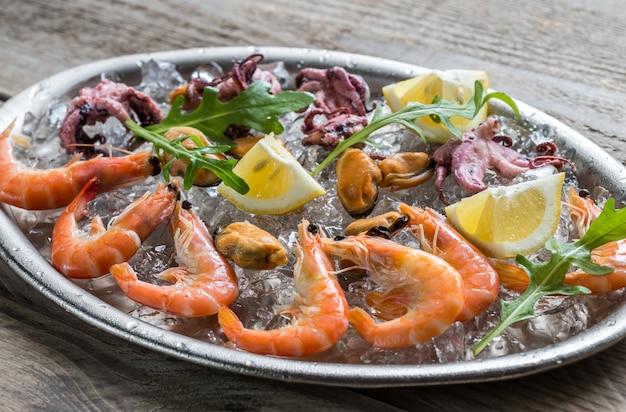 Лоток с морепродуктами