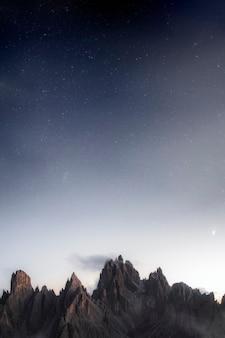 이탈리아 dolomites의 밤 tre cime di lavaredo
