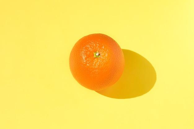 Модный творческий солнечный летний узор из апельсина