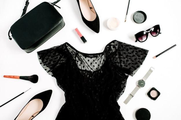 Коллекция модной женской одежды и аксессуаров в черном стиле на белом