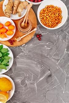 Модная еда для защиты от вирусов, коронавирус, концепция иммунитета. Premium Фотографии